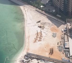 ...wenn der Sand nicht genug ist, dann eben Import...