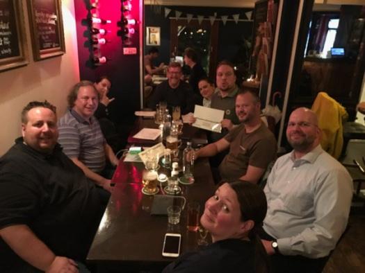 Das komplette Team vom #auswärtsschnitzel - danke Euch, schön war's (wie immer!) und auf bald!!!