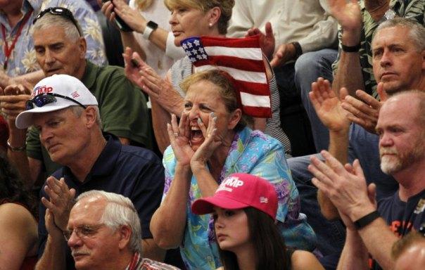 Rauswurf eines Störers im Wahlkampf von Trump - Quelle: Spiegel Online