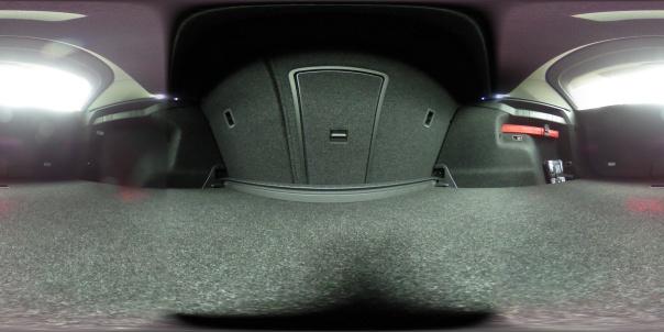 ...und hier noch der Kofferraum - nicht meiner, da selten so aufgeräumt... aber vielleicht wird er es noch? / Bild-Quelle: privat
